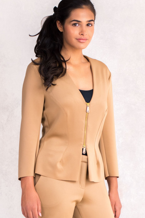 Wardrobe Essential Short Jacket Zip Closing in Brown