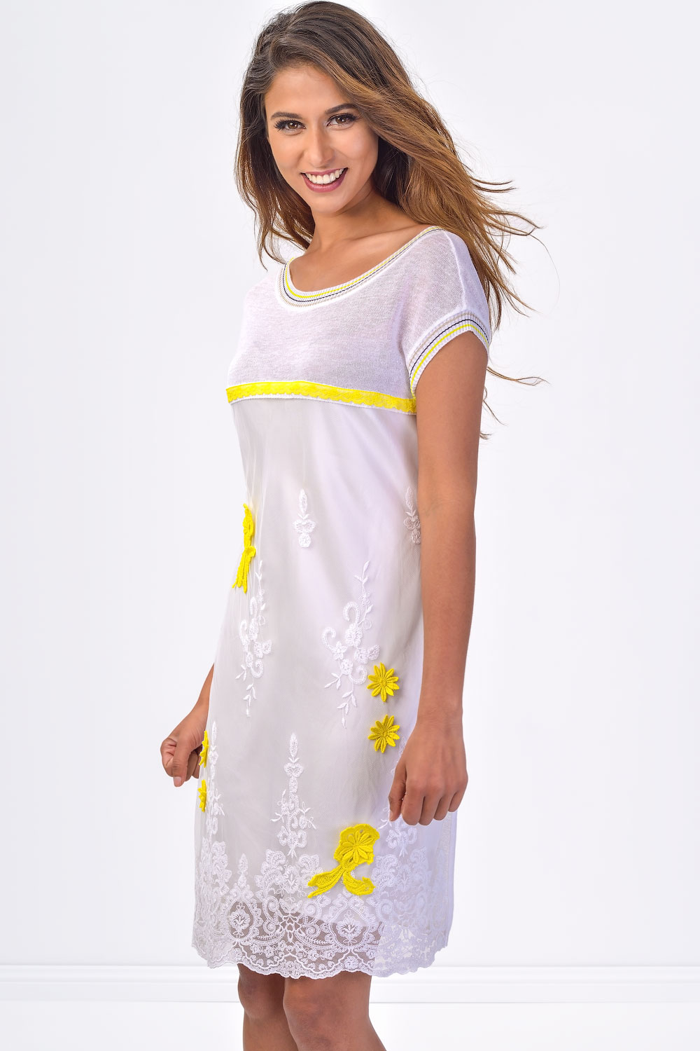 No Na Light Feminine Lace Dress With Yellow Flowers Claddio