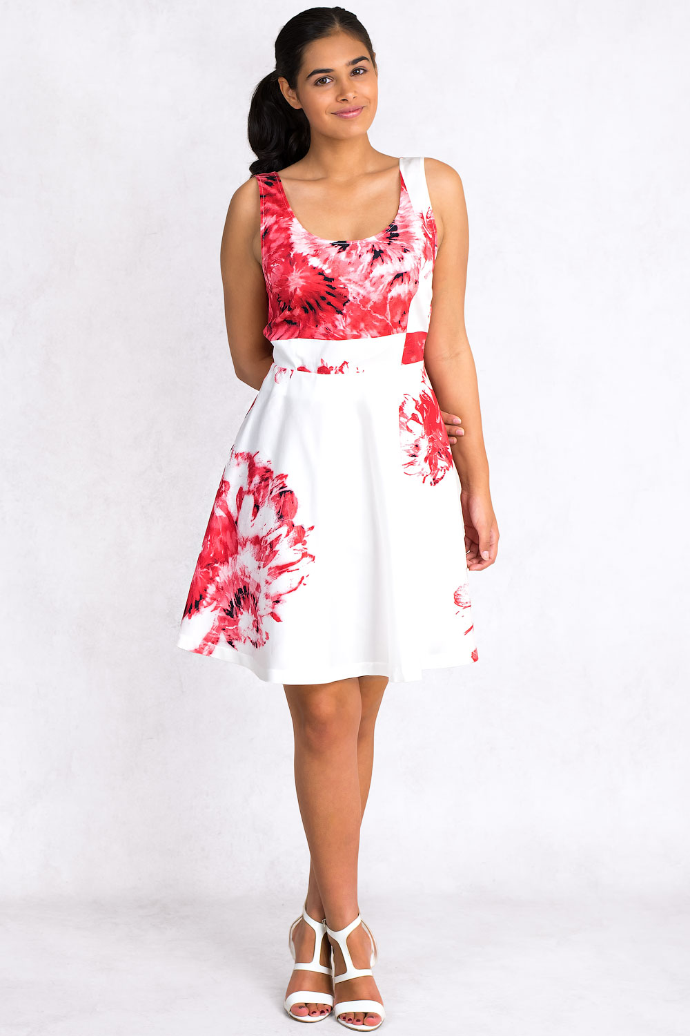 Sistes Red Flower Print Cotton Dress With Open Back Claddio